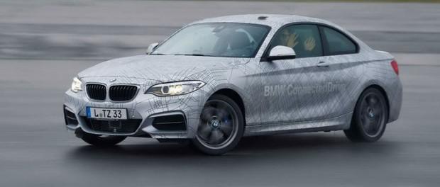 Nu kan BMW:s bilar drifta själva