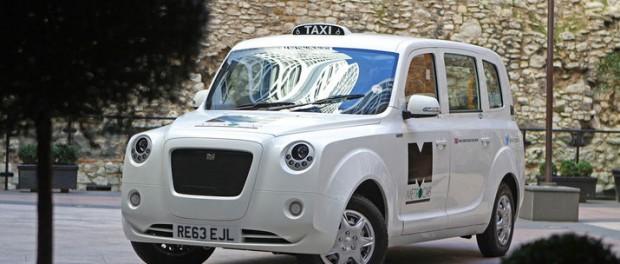 Eldriven retrotaxi med range extender för London