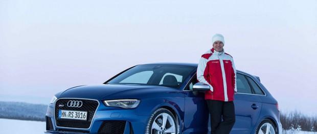Mattias Ekström sladdar med nya Audi RS 3 Sportback