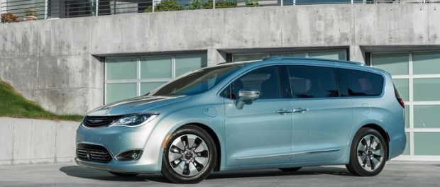Google bygger självkörande bilar med Fiat Chrysler